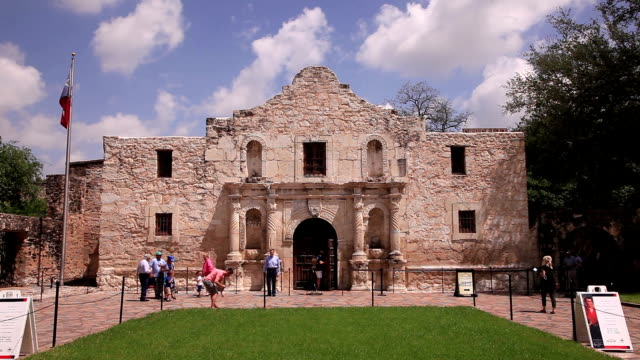 alamo mission in san antonio, tx - san antonio texas stock videos & royalty-free footage