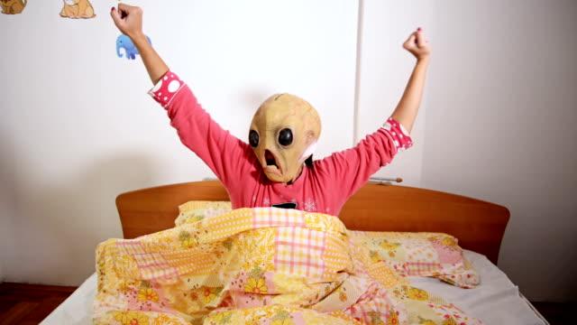 Alien mask video