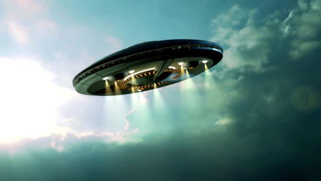 Extraterrestre OVNI soucoupe volante - Vidéo