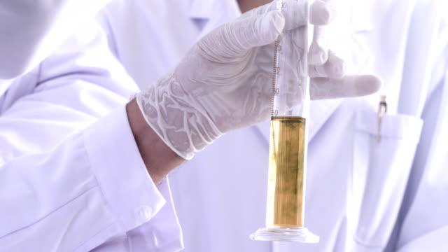 alternative energy lab - algen stock-videos und b-roll-filmmaterial