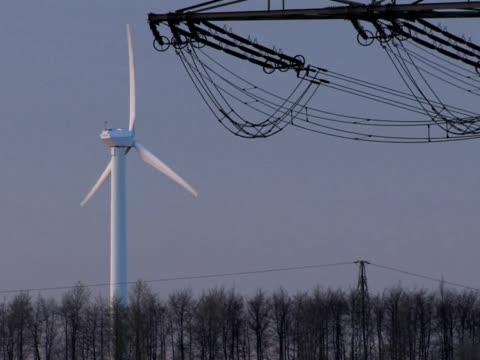 pal: energia alternativa - attrezzatura energetica video stock e b–roll