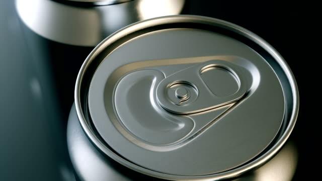 aluminium getränke können produktion endlos wiederholbar top view - aluminium stock-videos und b-roll-filmmaterial