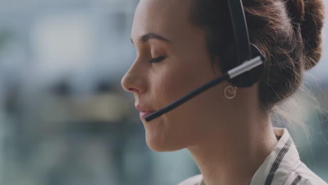 always try to maintain good customer relations with your clients - słuchawki filmów i materiałów b-roll