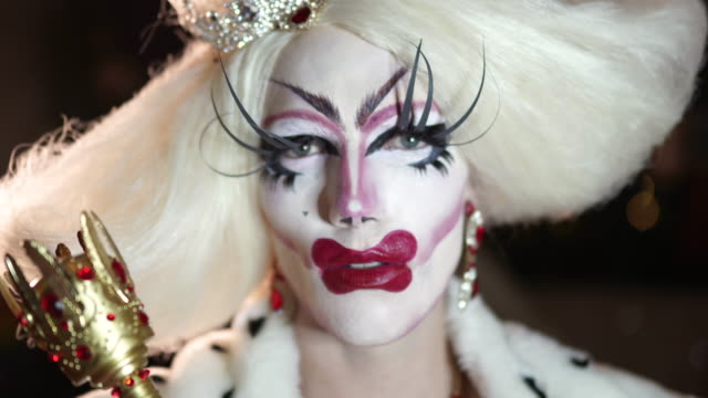 stockvideo's en b-roll-footage met altijd al een koningin willen zijn - drag queen