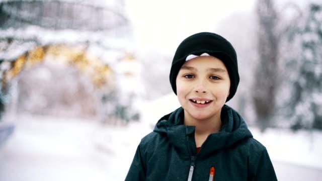 amatör vintersport - snow kids bildbanksvideor och videomaterial från bakom kulisserna
