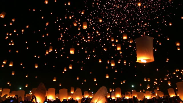 Amazing Loi Kra Tong festival Chiang mai in Thailand video
