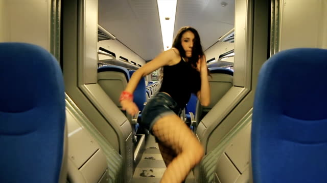 amazing solo dance freestyle,hip hop inside the train video