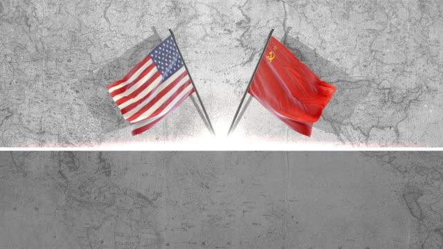 stockvideo's en b-roll-footage met amerikaanse en vlaggen van sovjet-unie - rusland