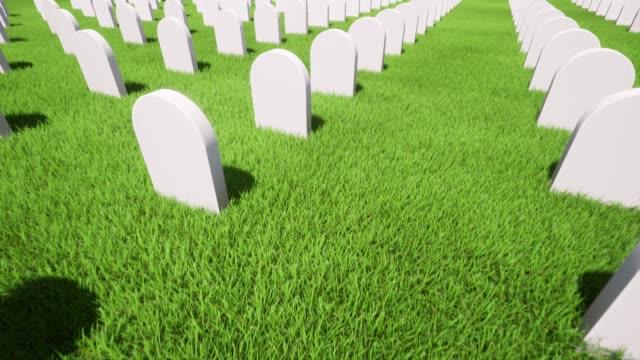 stockvideo's en b-roll-footage met amerikaans graf groen gras op groene achtergrond. 4k - funeral crying