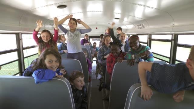 Autobús de la escuela American School educación actividades niños - vídeo