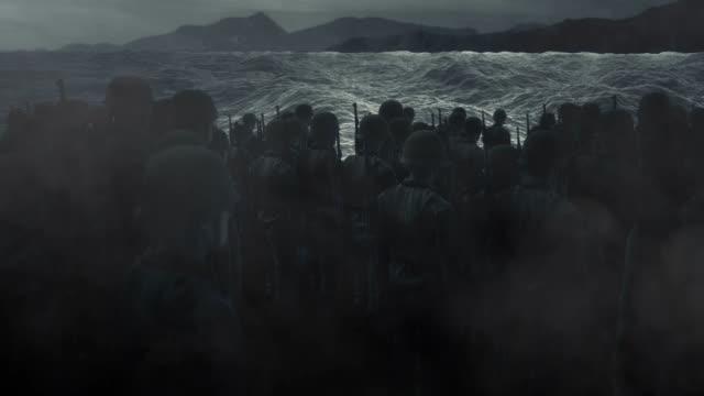 stockvideo's en b-roll-footage met amerikaanse troepen die dichter bij de oevers van normandië komen - geschiedenis