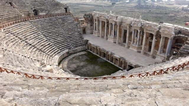 amphitheater in the hierapolis - mitologia video stock e b–roll