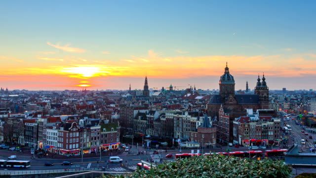 amsterdam 4k sunset skyline timelapse zoom - amsterdam video stock e b–roll