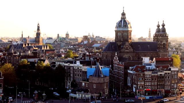 Amsterdam Stadt - Blick auf die Kathedrale und die Altstadt – Video