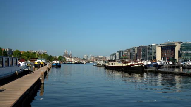 Amsterdam Skyline, panning Amsterdam Skyline wasser videos stock videos & royalty-free footage