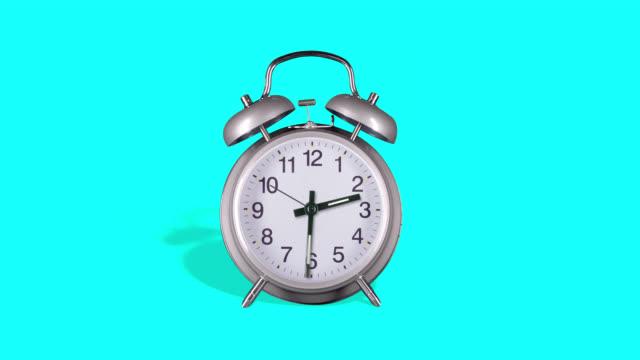 analog väckarklocka - alarm clock bildbanksvideor och videomaterial från bakom kulisserna