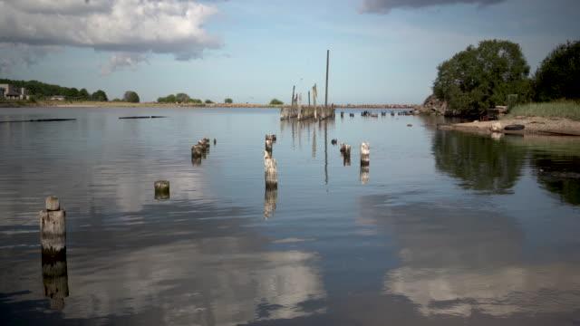 vídeos de stock e filmes b-roll de ancient harbor in the fishing city of the baltic - países bálticos