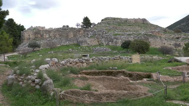 ancient mycenaean city on peloponnesus in greece. - пелопоннес стоковые видео и кадры b-roll