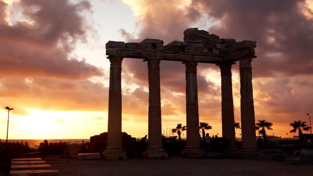 древние руины закат римской империи - пелопоннес стоковые видео и кадры b-roll