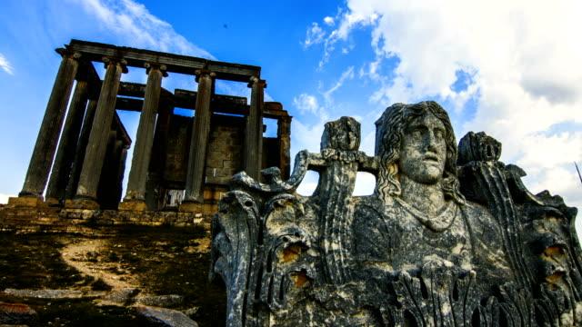ancient temple aizanoi - archeologia video stock e b–roll