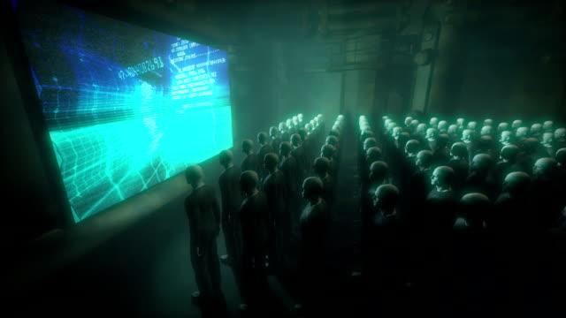 android люди смотреть экран данных - conspiracy стоковые видео и кадры b-roll