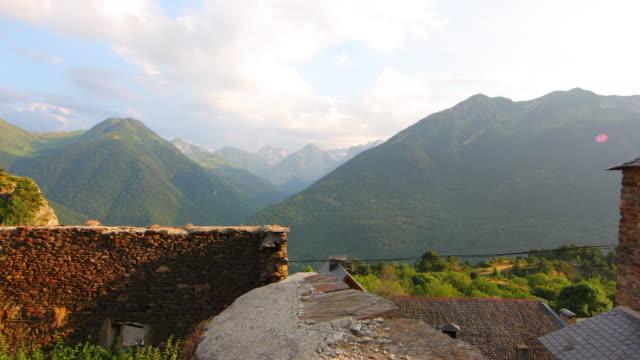 aneto 산맥 저속 촬영 4 k - lleida 스톡 비디오 및 b-롤 화면