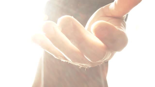 angelic att nå ut hand - gud bildbanksvideor och videomaterial från bakom kulisserna