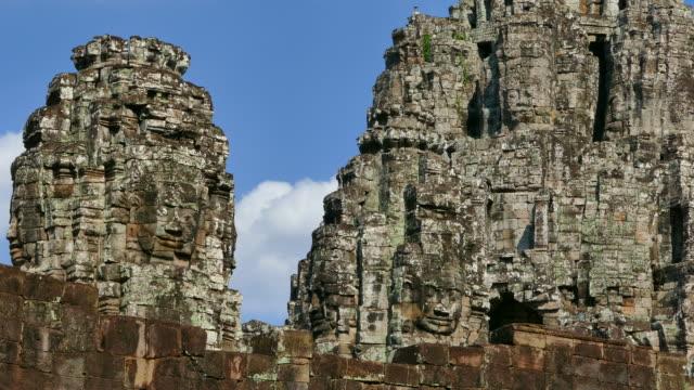 bayon tempel angkor in kambodscha - kambodschanische kultur stock-videos und b-roll-filmmaterial