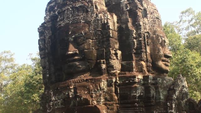 angkor in kambodscha - kambodschanische kultur stock-videos und b-roll-filmmaterial