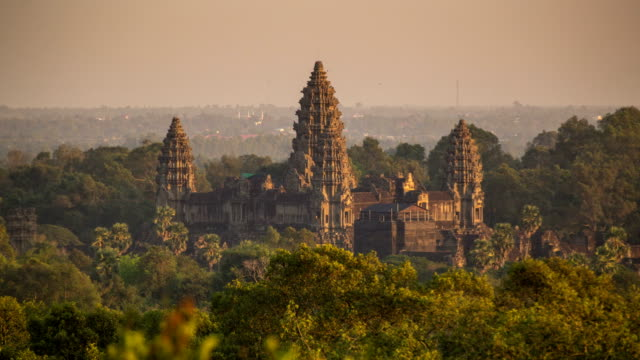 angkor wat sunset - cambogia video stock e b–roll