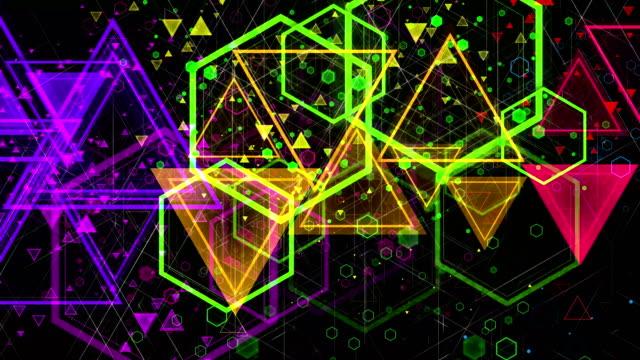 stockvideo's en b-roll-footage met geanimeerde pulserende vormgeving van gekleurde geometrische shapes van verschillende grootte. lus - magazine mockup