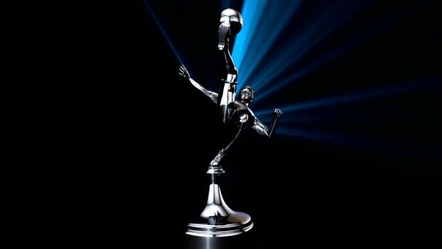 vídeos de stock e filmes b-roll de troféu de futebol prata 3d animado - campeão soccer football azul