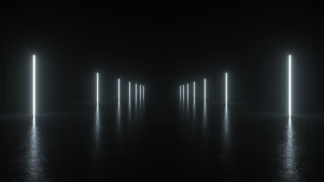vídeos de stock, filmes e b-roll de 4k animation loop futurista sci fi linhas brancas neon luzes de tubo brilhando na sala de piso de concreto com reflexos espaço vazio. alienígena, nave espacial, futuro, arco. renderização 3d - fundo preto