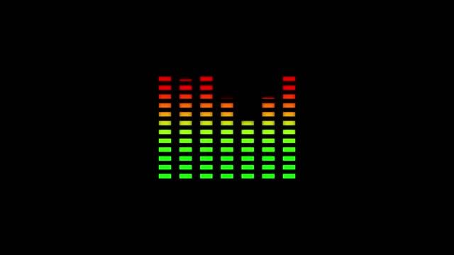 animation der wellenform mit visualisierung der audiowelle mit farbwechsel von grün nach rot auf schwarzem hintergrund - turngerät mit holm stock-videos und b-roll-filmmaterial