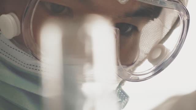 vidéos et rushes de tests d'anticorps - vaccin covid