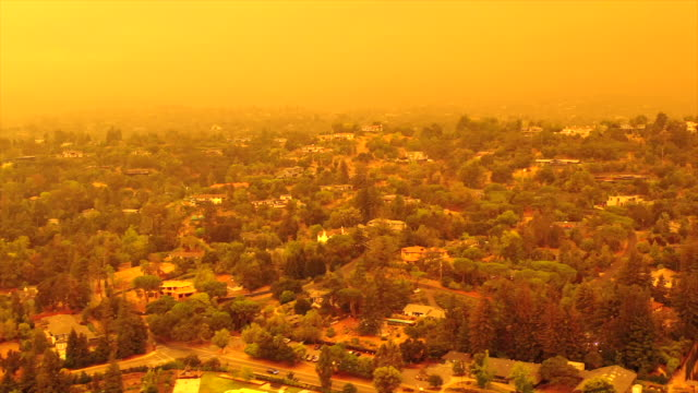 Apocalyptic orange sky over the San Francisco Bay Area on 09.09.2020 due to wildfires in California and Oregon video