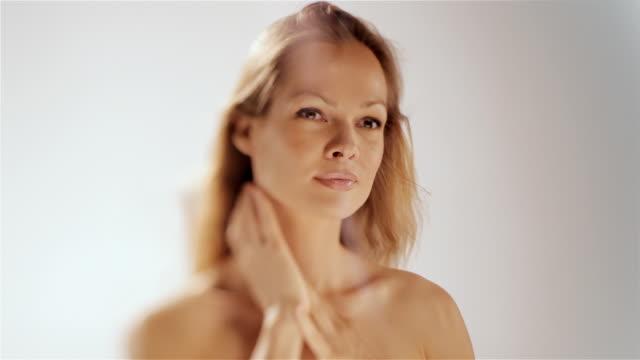 applying body lotion video