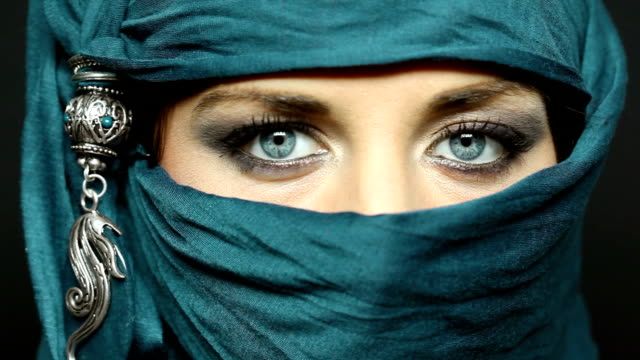 Arabic girl glance video