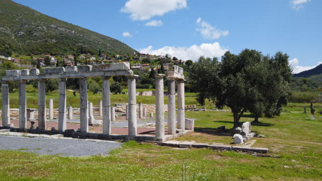 archaeological site of ancient messene , ruins of doric style stoa portico , near kalamata , messina, messinia, peloponnes, greece - пелопоннес стоковые видео и кадры b-roll