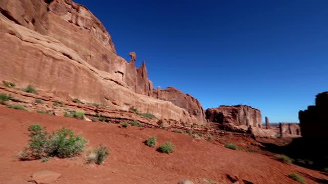 parco nazionale degli archi clip - red rock video stock e b–roll
