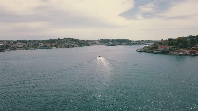 skärgården flygbilder över vatten - summer sweden bildbanksvideor och videomaterial från bakom kulisserna