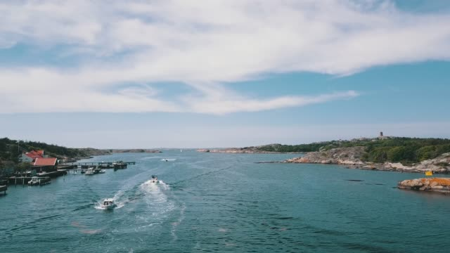 vídeos de stock e filmes b-roll de archipelago aerial over water - arquipélago