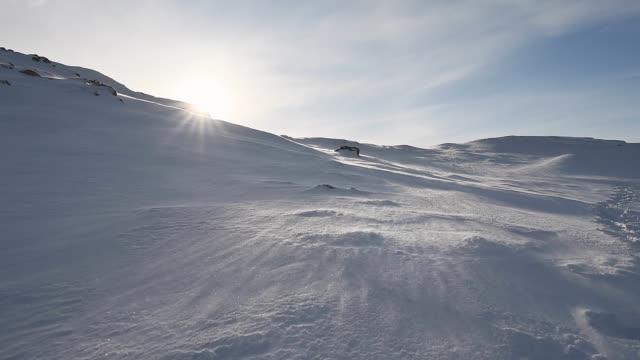 vídeos y material grabado en eventos de stock de blizzard ártico. viento soplado. deriva de nieve. - norte