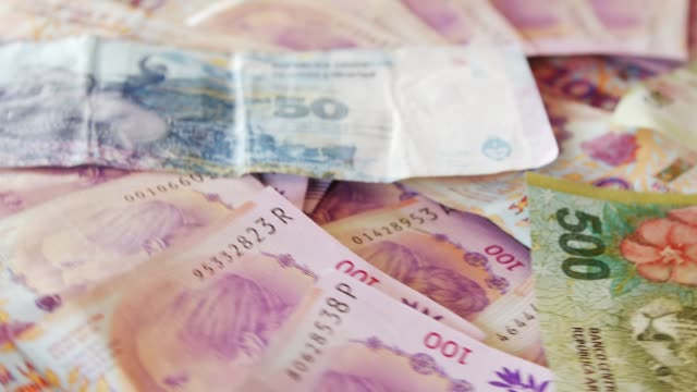argentyńskie peso bills - argentyna filmów i materiałów b-roll
