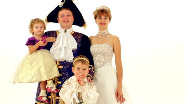 aristokraten - könig schachfigur stock-videos und b-roll-filmmaterial