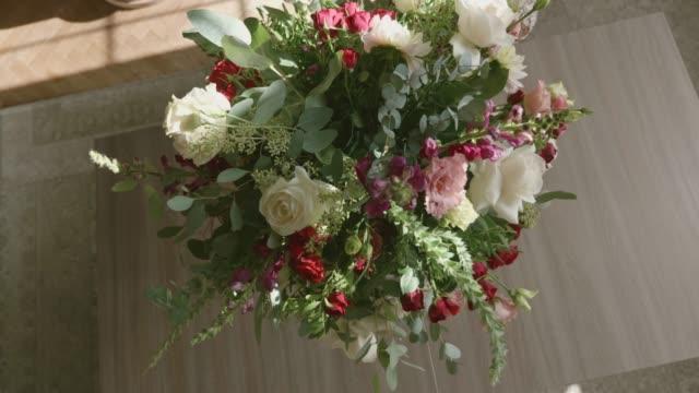 att ordna bukett - blomstermarknad bildbanksvideor och videomaterial från bakom kulisserna