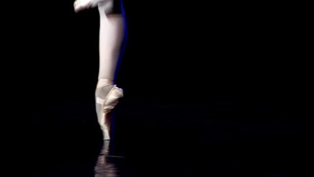アートのバレエ - バレリーナ点の映像素材/bロール