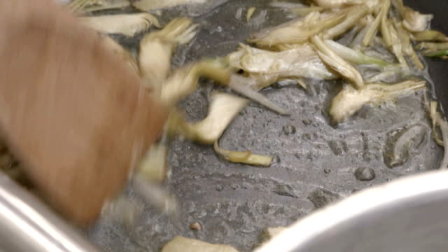 Artichokes in the pan