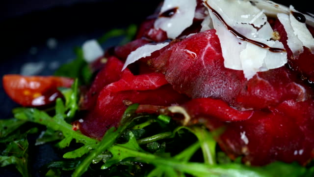 Arugula salad with smoked beef video