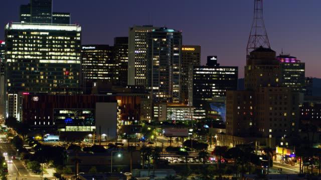 Ascending Drone Shot of Downtown Phoenix at Nightfall - Vidéo